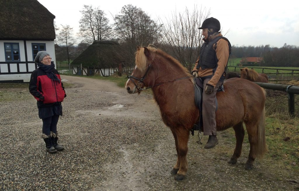 Charlotte hear about Dortes first trip on Nauma from Fruehøj