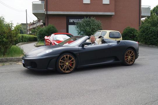 Steen i Italien i Ferrari.