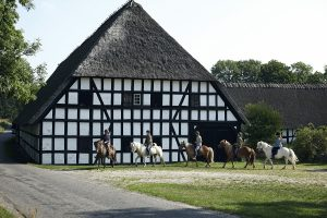 The tour begins in M near M farm-a manor house built on an ancient mound from the middle ages. Photo Niclas Jessen.